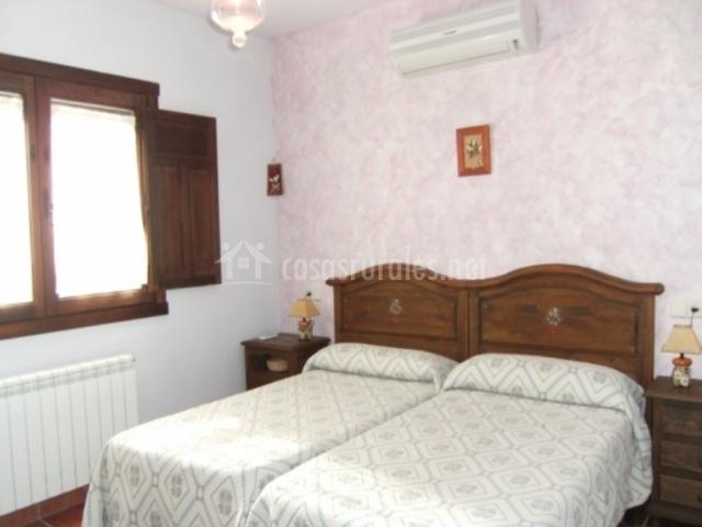 Dormitorio doble con aire acondicionado