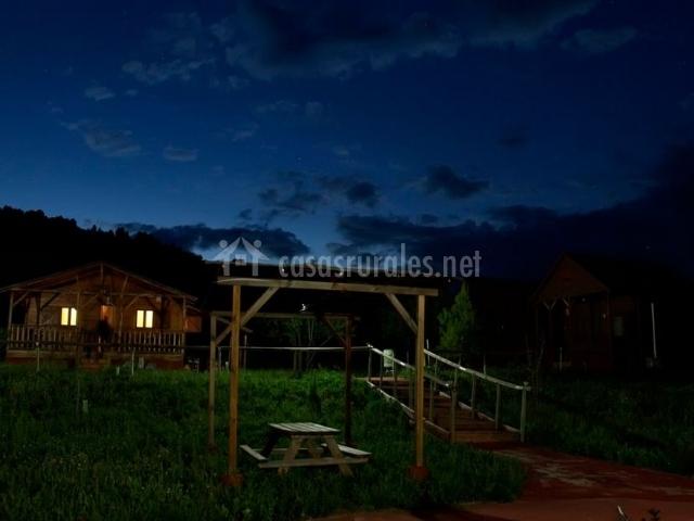 Vistas de la zona del merendero por la noche