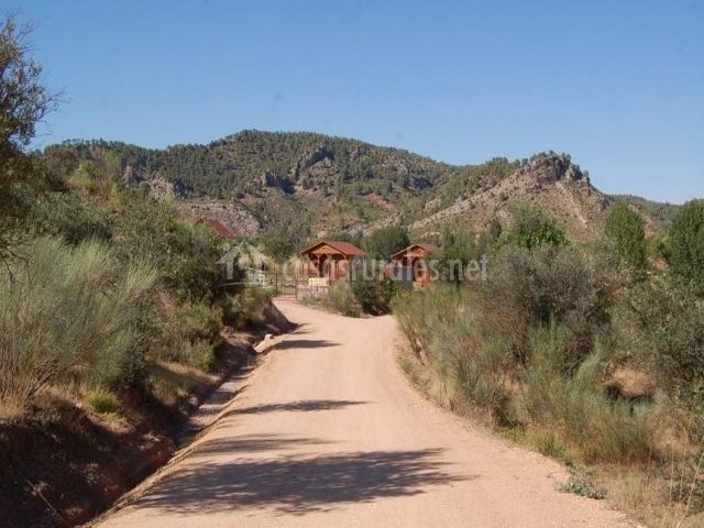 Vistas del camino de acceso al complejo