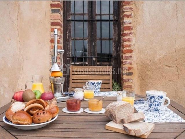 Vistas de la terraza con desayuno