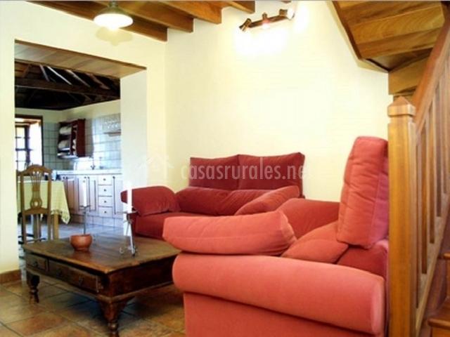 Salón con dos sofás