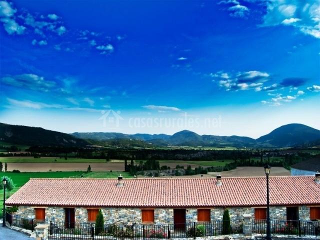 Cielo azul sobre la casa