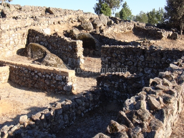 Restos arqueológicos de Castro del Raso en la localidad de Candeleda