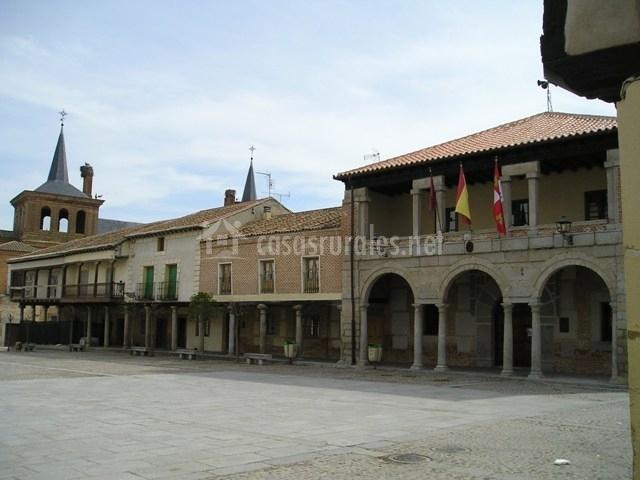 Plaza y ayuntamiento de Martín Muñoz de las Posadas