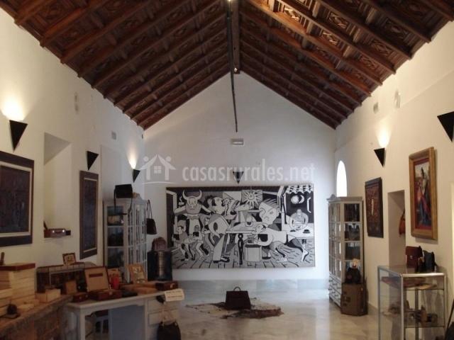 Productos de piel en su museo que dan fama a Ubrique