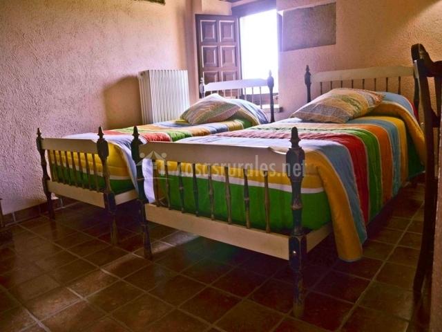 Dormitorio Llorer con dos camas individuales