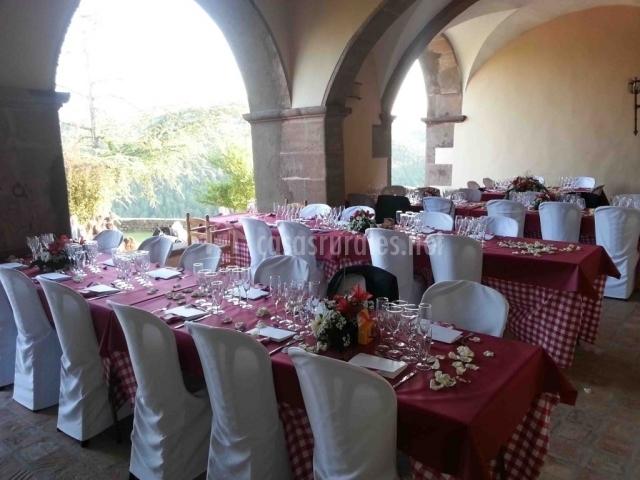 Mesas montadas de boda