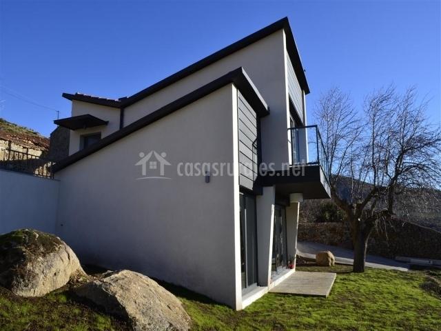 Fachada lateral de la vivienda