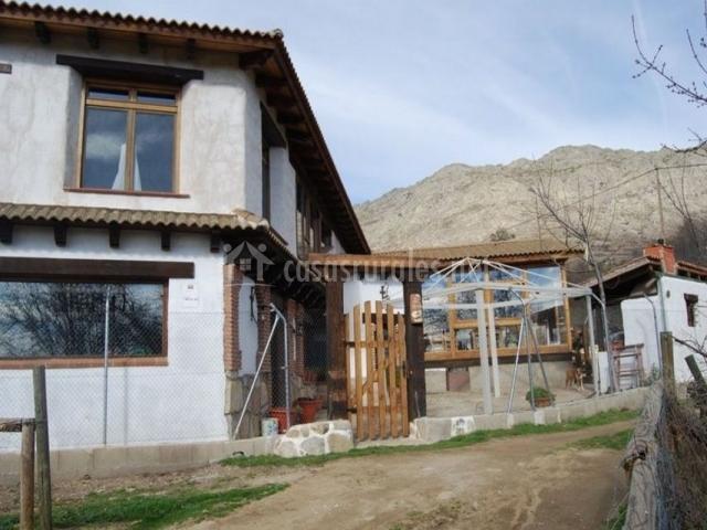 Vistas de la fachada y exteriores