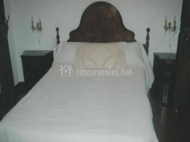 Dormitorios con cama de matrimonio