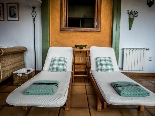 Sala de estar con hamacas de relax