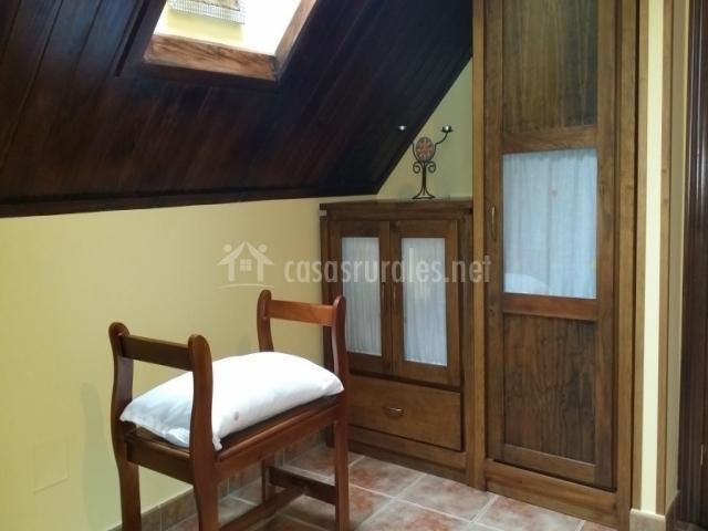 Sunrise con muebles de madera