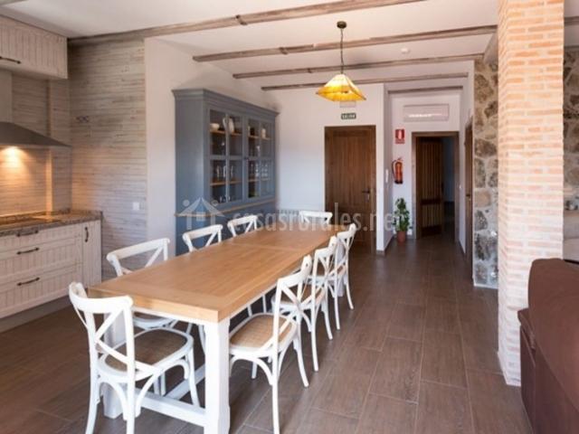 Cocina comedor y sala de estar comunicados