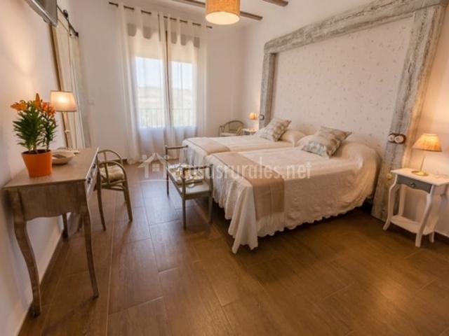 Dormitorio doble con gran marco