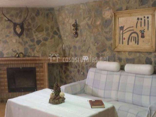 Segunda sala de estar con mesa