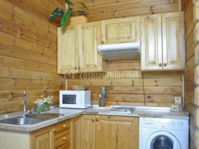 Cocina equipada con lavadora