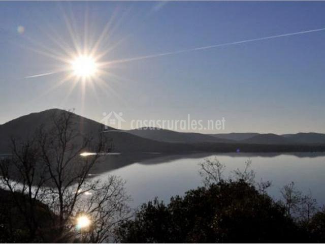 Zona de lagos del entorno al amanecer