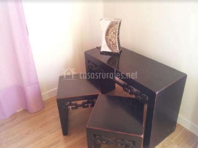 China con mesa y sillas
