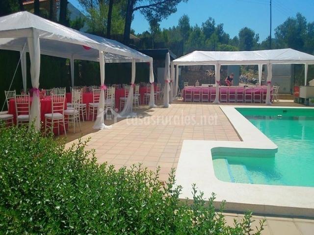 Los pinos en barx valencia for Carpas para piscinas