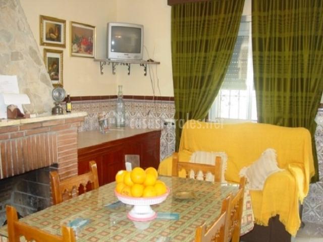 Salón comedor y sofá