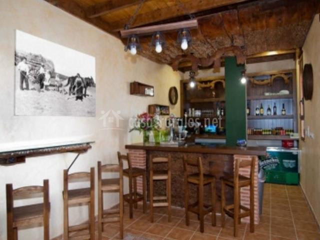 Cafetería con barra