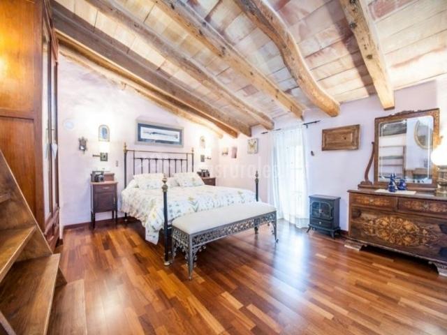Dormitorio de matrimonio en la buhardilla