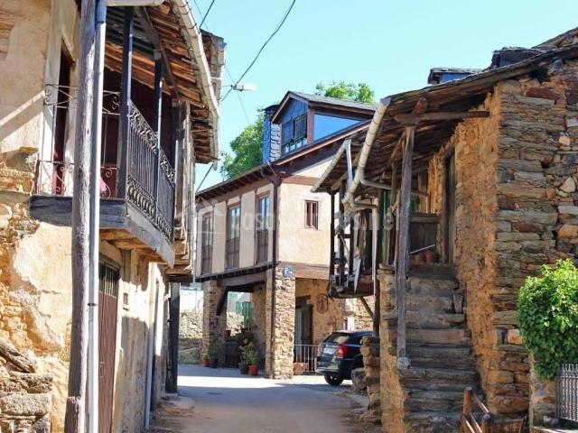 calle de la casa rural