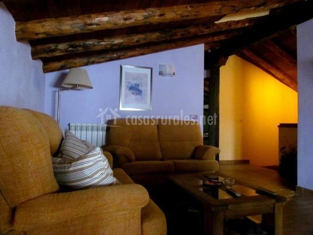 Salón con sofas