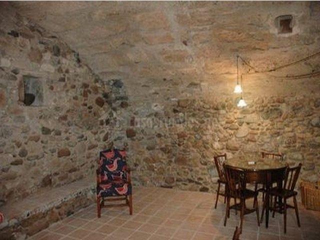 Sala de estar de piedra