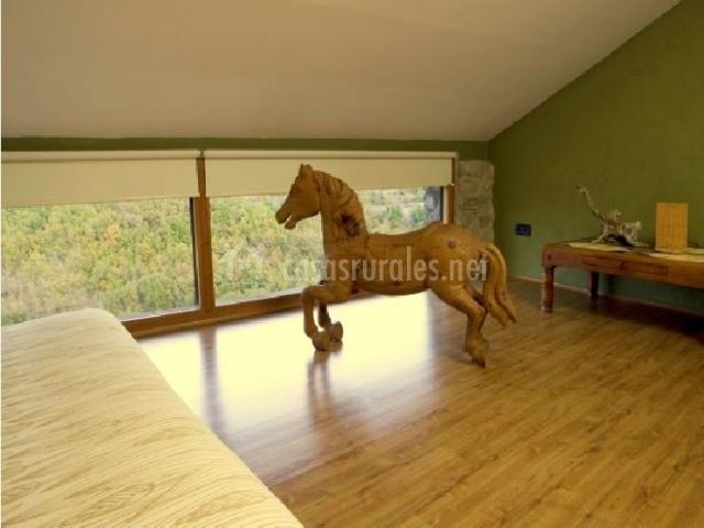 Detalle del caballo y los ventanales