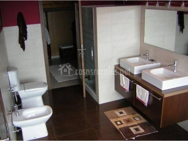 Aseo completo con doble lavabo