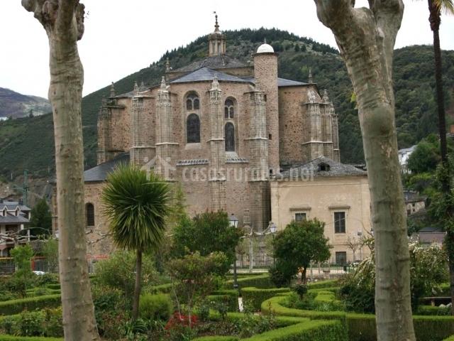 Colegiata Santa María Villafranca del Bierzo