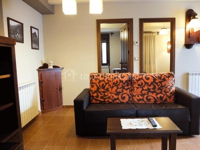 La sala de estar y las habitaciones