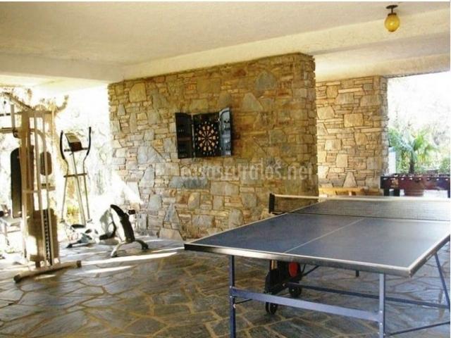 Zona de ocio con mesa de ping-pong