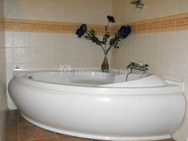 La bañera con hidromasaje