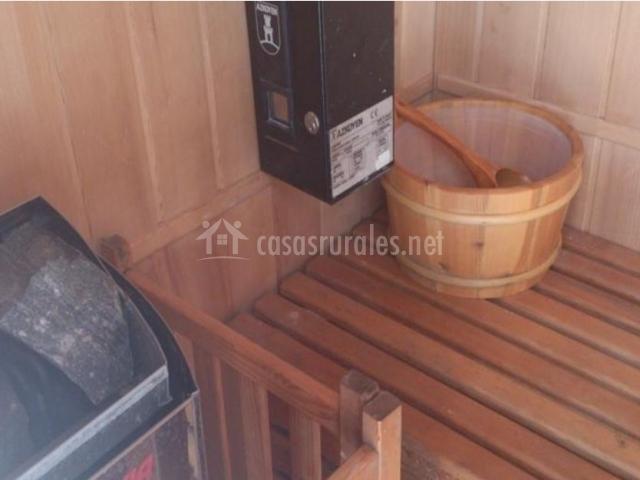 Vistas de la sauna con banco