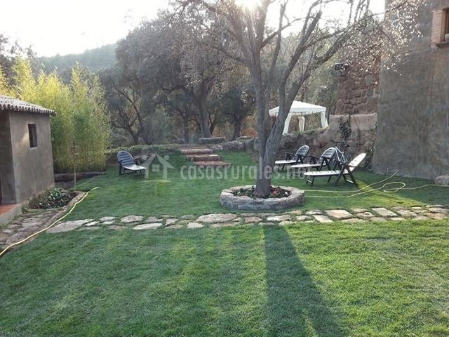 Jardín con hamacas