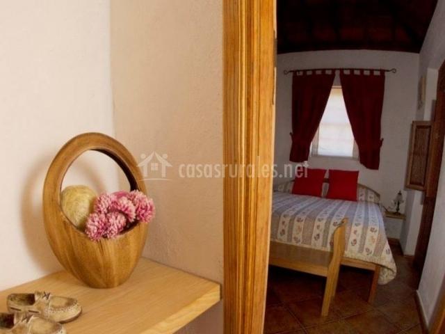 Dormitorio y sus vistas desde el pasillo