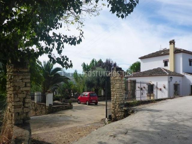 Entrada a la casa rural Los Morales