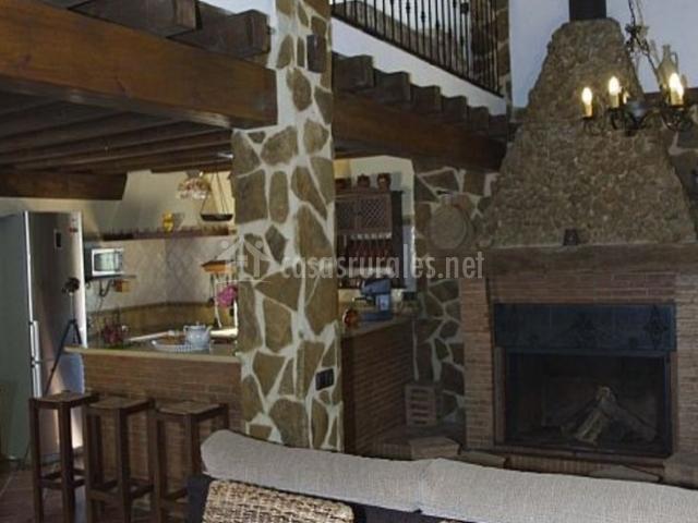 Sala de estar con vistas de la cocina