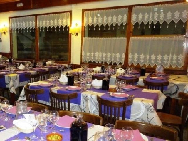 Restaurante listo para la cena