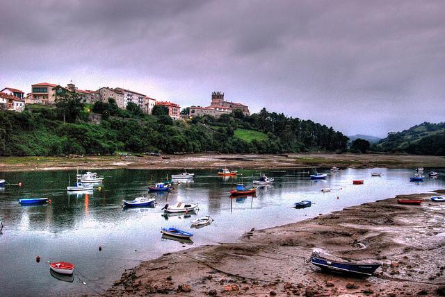 San Vicente de la Barquera y su ría