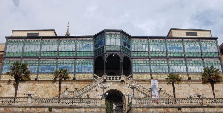 Casa Lis y su fachada