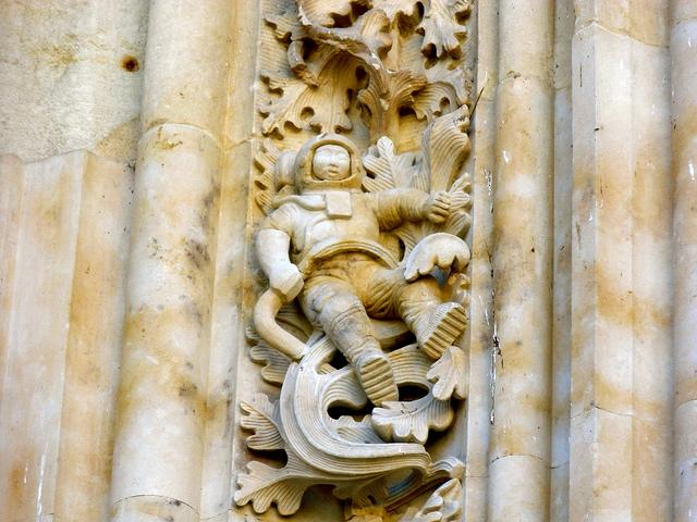 Catedral Nueva y el astronauta