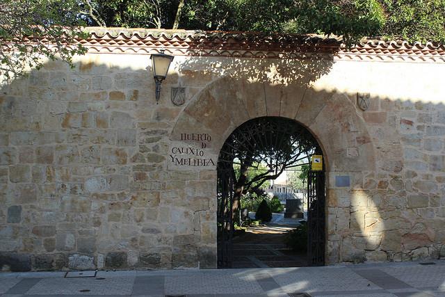 Huerto de Calixto y Melibea a la entrada