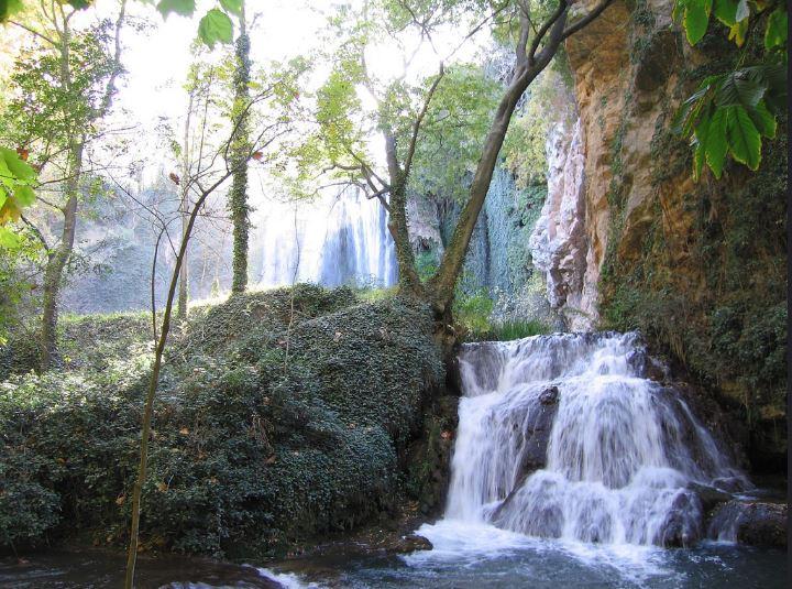 Saltos de agua en Monasterio de Piedra