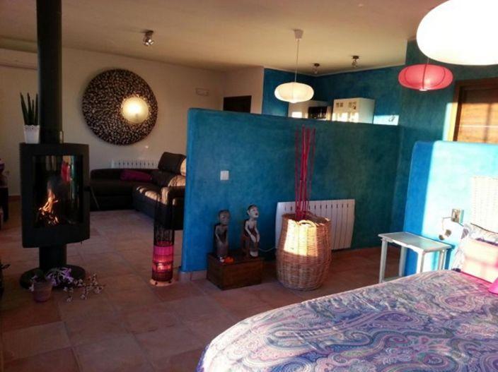 Petit Suite II- Dormitorio y chimenea