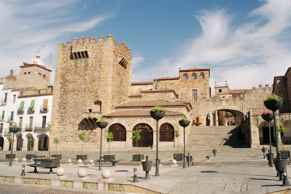 Caceres_wikipedia