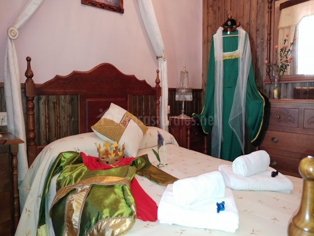 Casa rural Temática SPA Señorío de Montero-CasasruralesNet