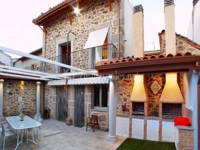 Apartamentos Entre Columnas-Casasrurales.net